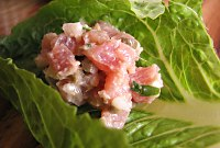 Tuna tartare in romaine